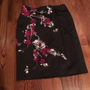 WHBM Floral Pencil Skirt Size 4